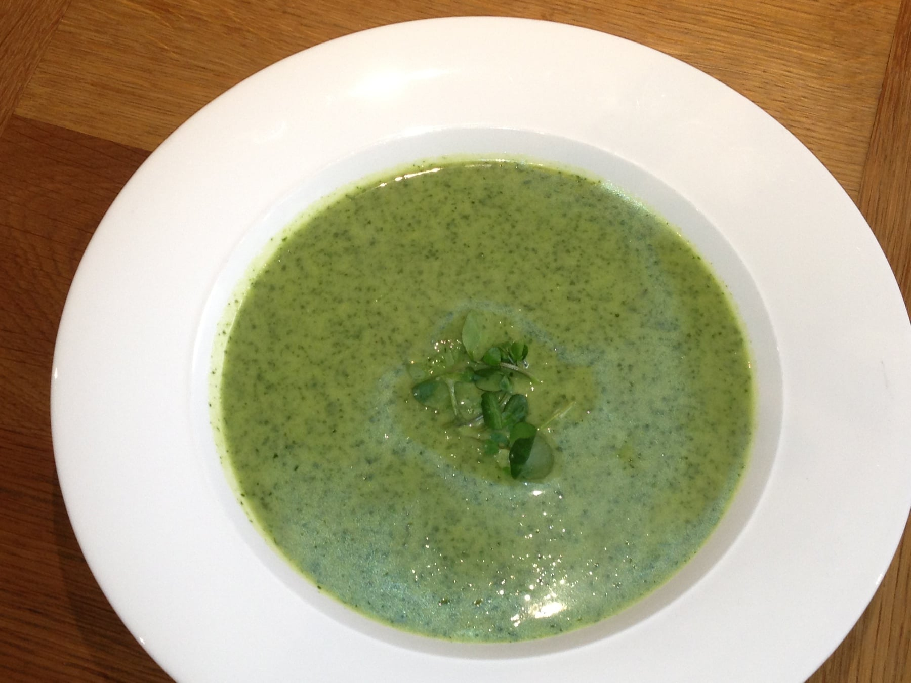 Watercress, pea and mint soup